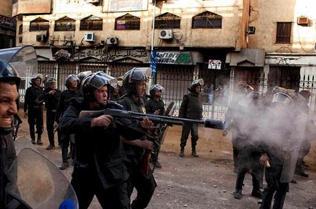 Mısır'da Mübarek iktidarı sallanıyor galerisi resim 14