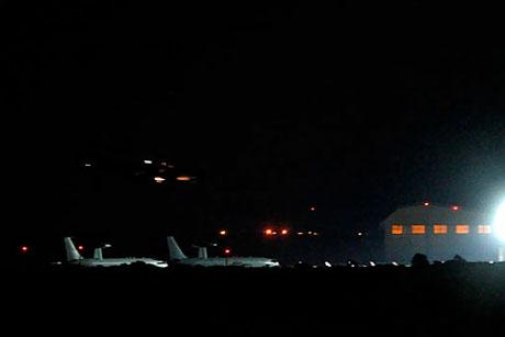 Libya'ya bomba yağıyor galerisi resim 12