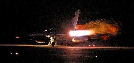 Libya'ya bomba yağıyor galerisi resim 6
