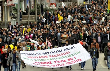 Tarihi 2011 Newroz'undan manzaralar galerisi resim 11