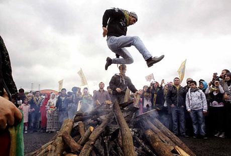 Tarihi 2011 Newroz'undan manzaralar galerisi resim 25