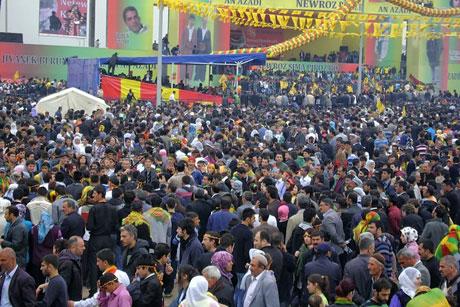 Tarihi 2011 Newroz'undan manzaralar galerisi resim 36