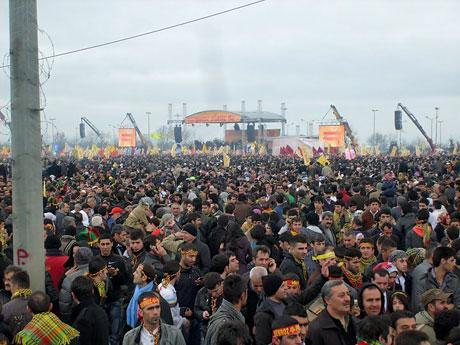 Tarihi 2011 Newroz'undan manzaralar galerisi resim 40