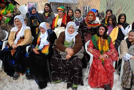 Tarihi 2011 Newroz'undan manzaralar galerisi resim 48