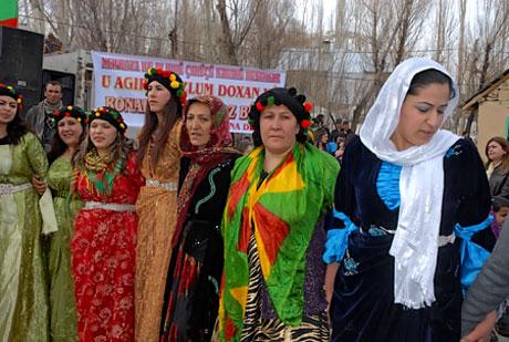 Tarihi 2011 Newroz'undan manzaralar galerisi resim 49