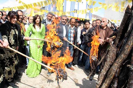 Tarihi 2011 Newroz'undan manzaralar galerisi resim 51