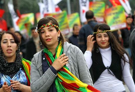 Tarihi 2011 Newroz'undan manzaralar galerisi resim 7