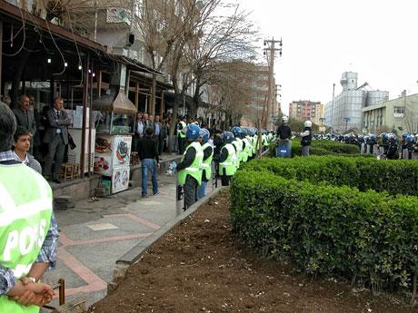 'Sivil itaatsizlik' eylemi ve Polis müdahalesi galerisi resim 17