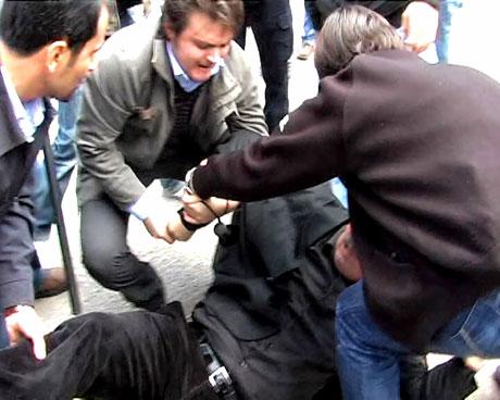 'Sivil itaatsizlik' eylemi ve Polis müdahalesi galerisi resim 2
