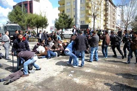 'Sivil itaatsizlik' eylemi ve Polis müdahalesi galerisi resim 22
