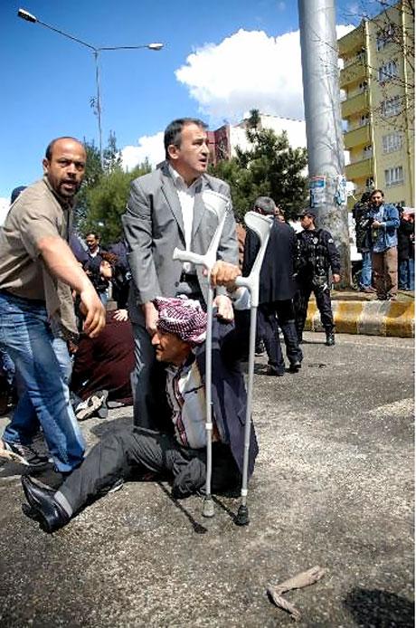 'Sivil itaatsizlik' eylemi ve Polis müdahalesi galerisi resim 23