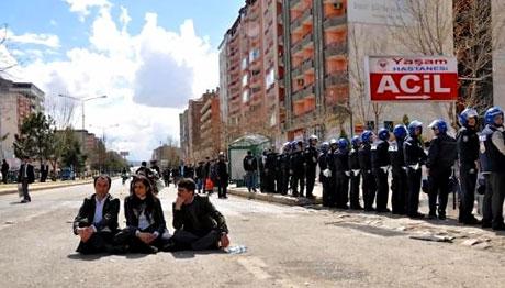 'Sivil itaatsizlik' eylemi ve Polis müdahalesi galerisi resim 24