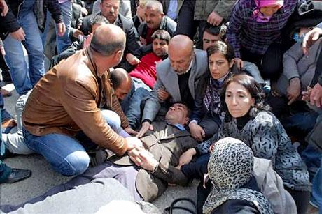 'Sivil itaatsizlik' eylemi ve Polis müdahalesi galerisi resim 29
