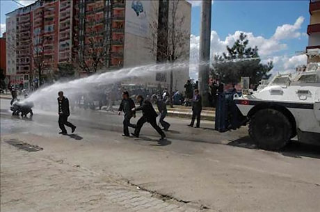 'Sivil itaatsizlik' eylemi ve Polis müdahalesi galerisi resim 30