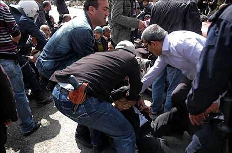 'Sivil itaatsizlik' eylemi ve Polis müdahalesi galerisi resim 31
