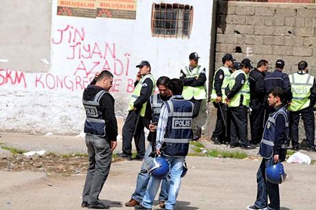'Sivil itaatsizlik' eylemi ve Polis müdahalesi galerisi resim 34