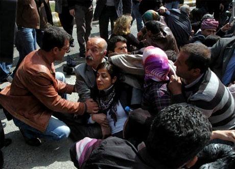 'Sivil itaatsizlik' eylemi ve Polis müdahalesi galerisi resim 38