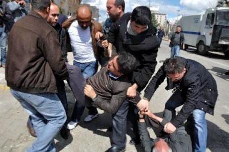 'Sivil itaatsizlik' eylemi ve Polis müdahalesi galerisi resim 39