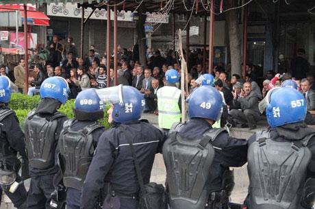 'Sivil itaatsizlik' eylemi ve Polis müdahalesi galerisi resim 52