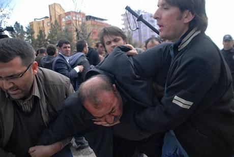 'Sivil itaatsizlik' eylemi ve Polis müdahalesi galerisi resim 8