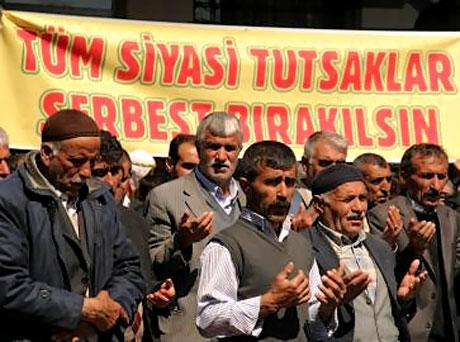 Diyarbakır'da 'sivil' Cuma namazı! galerisi resim 12