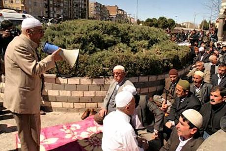 Diyarbakır'da 'sivil' Cuma namazı! galerisi resim 6
