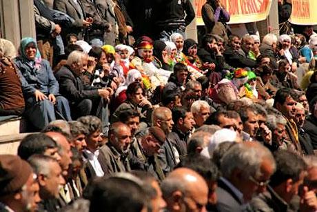 Diyarbakır'da 'sivil' Cuma namazı! galerisi resim 7