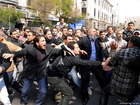 Suriye'de isyan ateşi alevlendi! galerisi resim 17