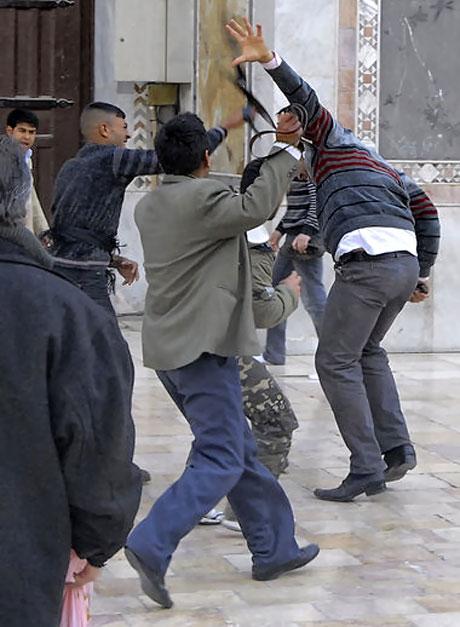 Suriye'de isyan ateşi alevlendi! galerisi resim 4