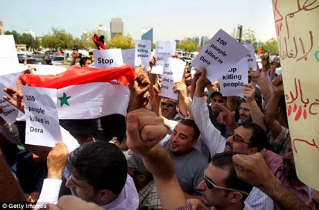 Suriye'de isyan ateşi alevlendi! galerisi resim 7