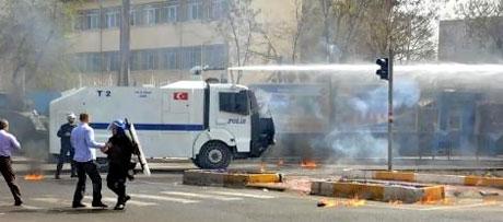 Diyarbakır 'sivil cuma' sonrası karıştı! galerisi resim 2