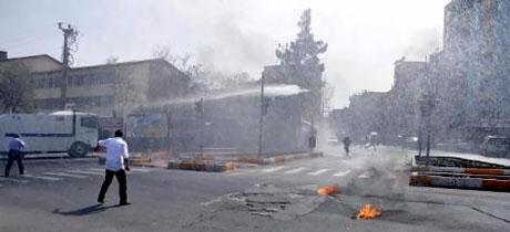 Diyarbakır 'sivil cuma' sonrası karıştı! galerisi resim 6