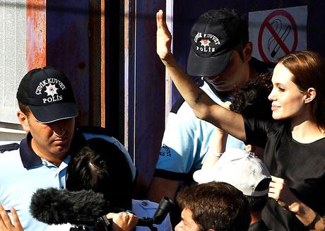 BM Elçisi Angelina Jolie Türkiye'de galerisi resim 28