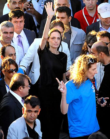 BM Elçisi Angelina Jolie Türkiye'de galerisi resim 30