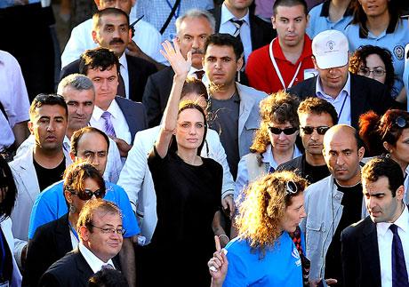 BM Elçisi Angelina Jolie Türkiye'de galerisi resim 32