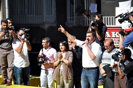 YSK'ya Diyarbakır ve Taksim'de protesto galerisi resim 13