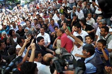 YSK'ya Diyarbakır ve Taksim'de protesto galerisi resim 15
