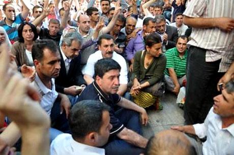 YSK'ya Diyarbakır ve Taksim'de protesto galerisi resim 16