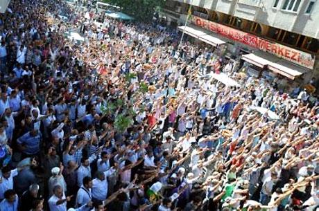YSK'ya Diyarbakır ve Taksim'de protesto galerisi resim 19