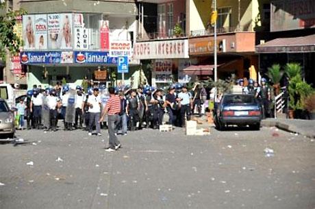 YSK'ya Diyarbakır ve Taksim'de protesto galerisi resim 25