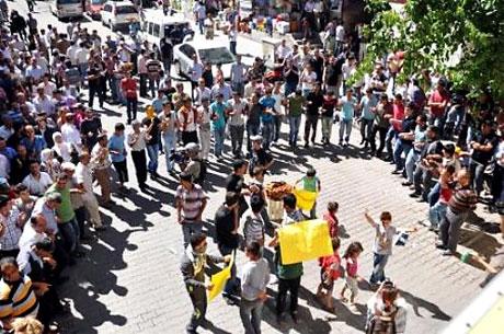 YSK'ya Diyarbakır ve Taksim'de protesto galerisi resim 28