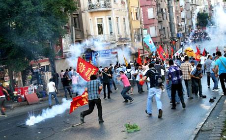 YSK'ya Diyarbakır ve Taksim'de protesto galerisi resim 3