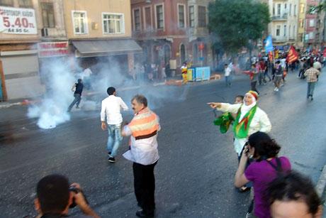YSK'ya Diyarbakır ve Taksim'de protesto galerisi resim 36