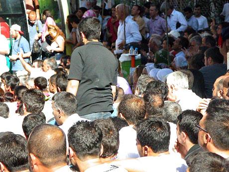 YSK'ya Diyarbakır ve Taksim'de protesto galerisi resim 39
