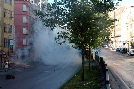 YSK'ya Diyarbakır ve Taksim'de protesto galerisi resim 40
