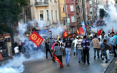 YSK'ya Diyarbakır ve Taksim'de protesto galerisi resim 43