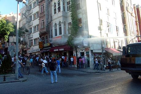 YSK'ya Diyarbakır ve Taksim'de protesto galerisi resim 44