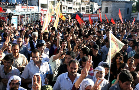 YSK'ya Diyarbakır ve Taksim'de protesto galerisi resim 47