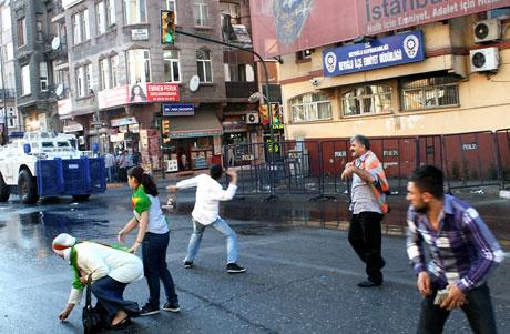 YSK'ya Diyarbakır ve Taksim'de protesto galerisi resim 49