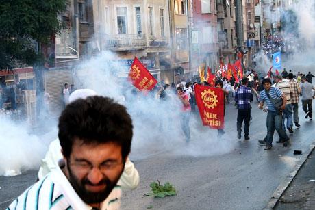 YSK'ya Diyarbakır ve Taksim'de protesto galerisi resim 50
